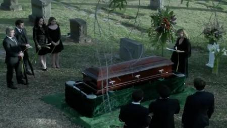 You had a lovely funeral, Fauxmanda.  Thanks for not inviting your crazy fake Mom and for introducing us to Eli.  You were the best.